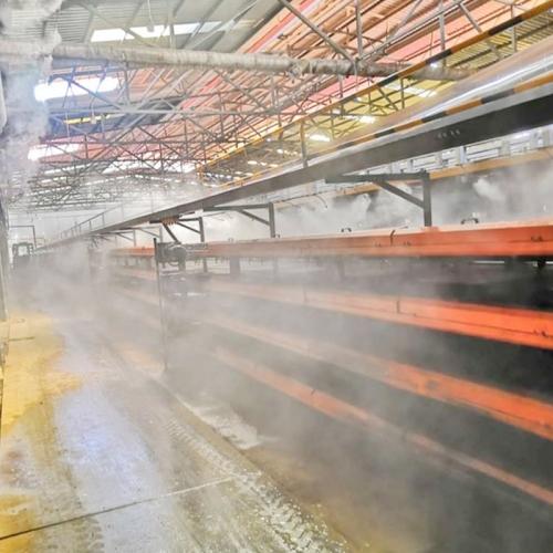 喷雾降温产生的水雾淡如轻纱抚面,温和柔美