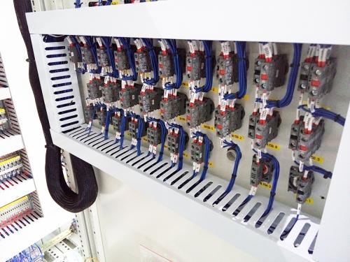 多功能控制柜